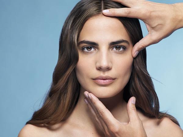 Redermic R te ayuda a que las arrugas acentuadas se alisen, a que la superficie de la piel se transforme y rejuvenezca