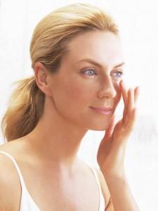 La piel del contorno del ojo es 10 veces más fina que el resto.
